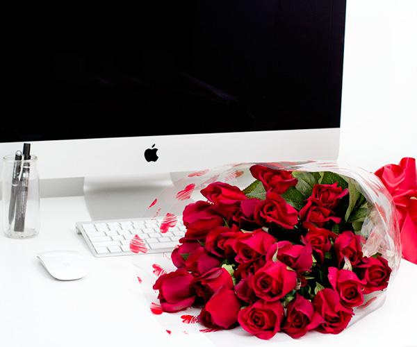 Valentine's Day Roses Gift