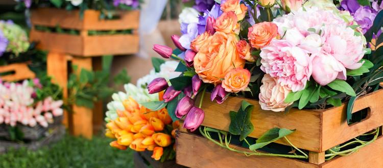 Fake Flowers Blog