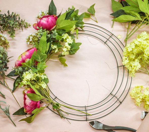 How to use a wire wreath frame - 2
