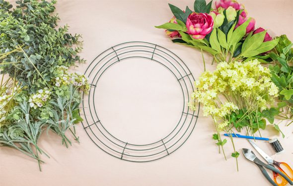 How to use a wire wreath frame - things you will need