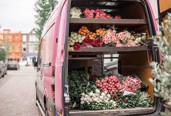Managing flowers for outdoor wedding and events - flower delivery