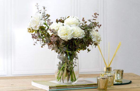When you know how to clean vases, you can have beautiful vases in your home