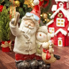 Christmas Ornaments - Santa and Reindeer Taking Selfie Decoration (29.5x51cm)