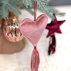 Christmas Tree Decorations - Hanging Fabric Heart with Tassel Pink (10cm)