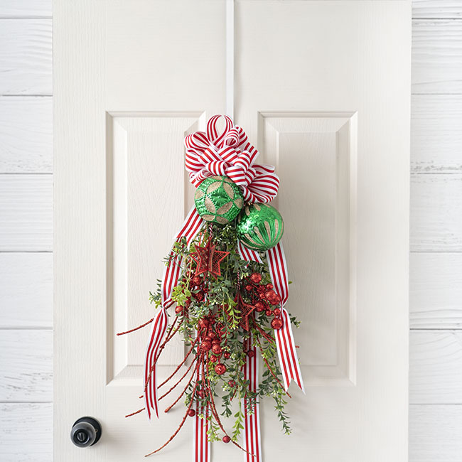 Floral Accessories - Metal Wreath Door Hanger (34cm or 12