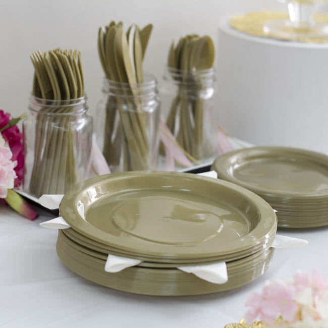 Party Tableware - Deluxe Plastic Plate Gold (23cmD) Pack 25