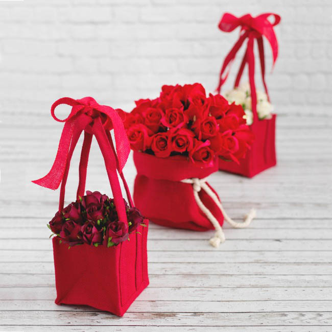 Jute Posy Gift Bags - Natural Jute Posy Bag With Plastic Liner Red 17.5x17.5x14cmH