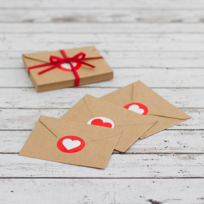 Gift Tags & Labels - Gift Seal Heart Round Gloss Red (4.5cmD) Pack 40